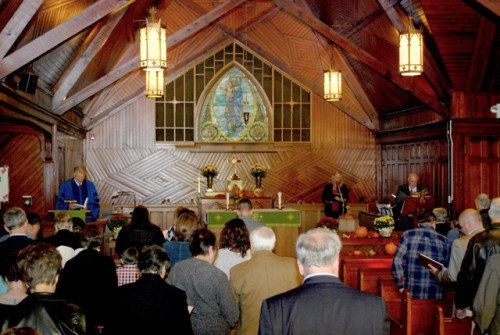 The sanctuary gradually welcomed seventy-four people (54 adults and 19 children).